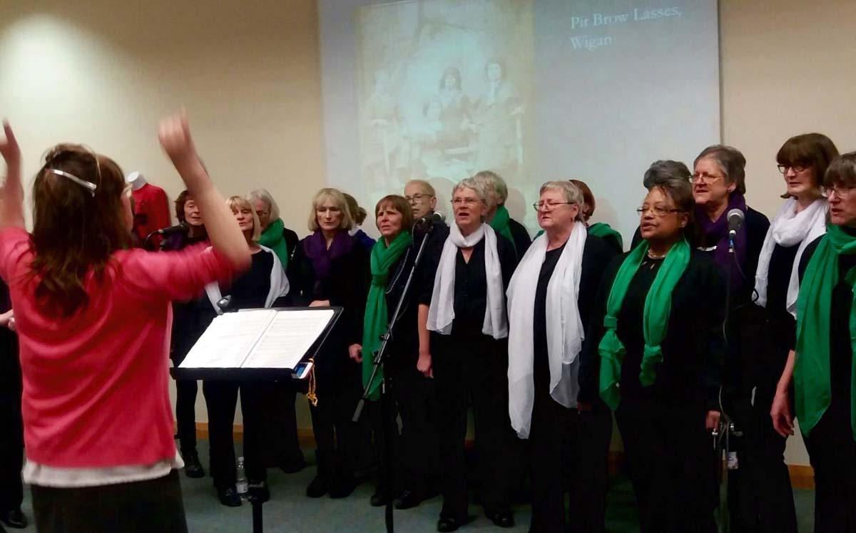 Noteworthy Women's Choir - alibullivent.co.uk
