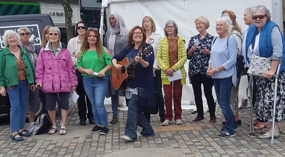 Choir in the Bull Ring - alibullivent.co.uk