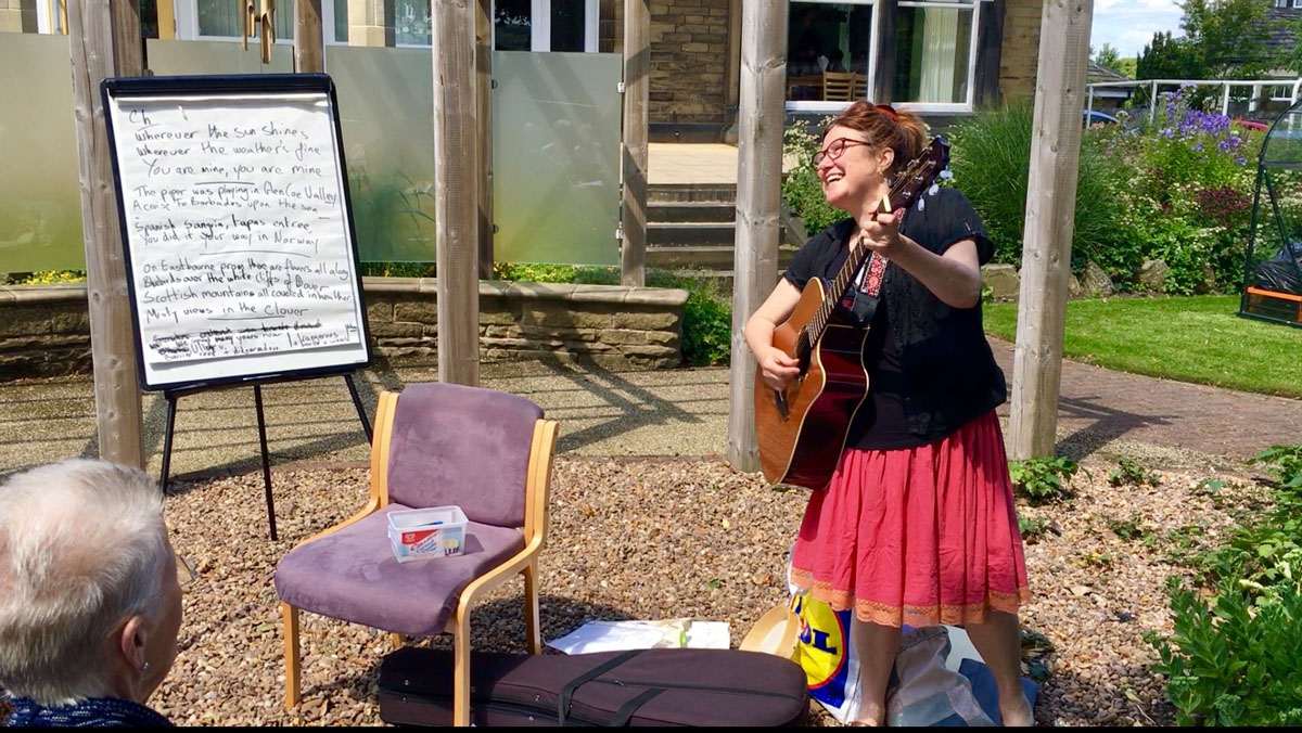 Songwriting with day patients - alibullivent.co.uk